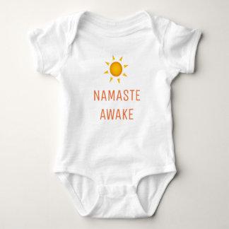 Namaste wach baby strampler