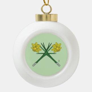 Narzissen gekreuzt keramik Kugel-Ornament