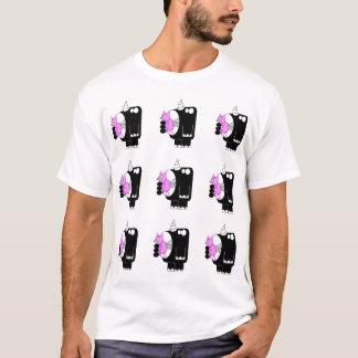 Nashorn, das Schwein isst T-Shirt