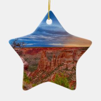 Nationales Monument-Abends-Stürme Colorados Keramik Stern-Ornament