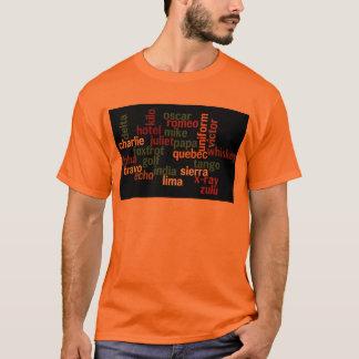 NATOlautalphabet (dunkler Hintergrund) T-Shirt