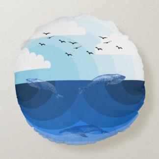 Natur-Blues - Wale Rundes Kissen