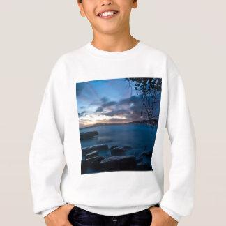 Natur-Dämmerungs-blauer Felsen-Bucht Sweatshirt