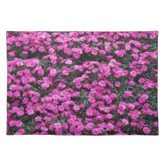 Natürlicher Hintergrund der lila Stofftischset