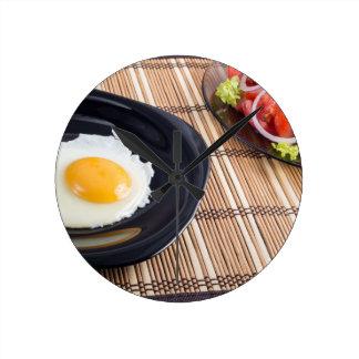 Natürliches selbst gemachtes Frühstück des Runde Wanduhr