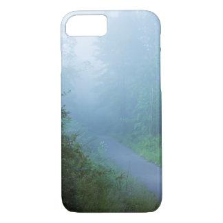 Nebel im Blau iPhone 8/7 Hülle