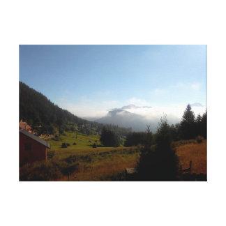 Nebel im magischen Tal Leinwanddruck