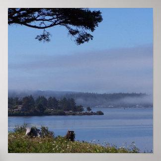 Nebel über der Bucht Poster