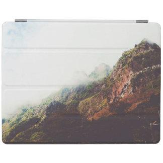 Nebelhafte Berge, entspannende iPad Hülle