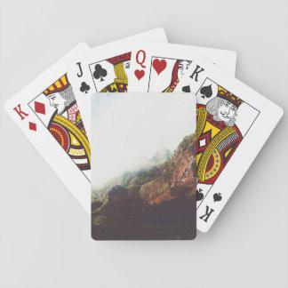 Nebelhafte Berge, entspannende Spielkarten