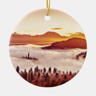 Nebelhaftes Tal Keramik Ornament