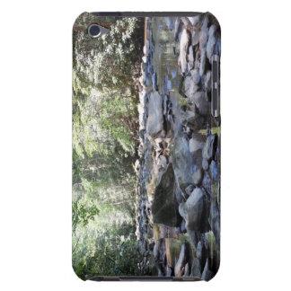 Nebenfluss und Felsen iPod Case-Mate Hüllen