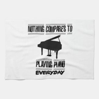 Neigen von Klavierspielerentwürfen Handtuch