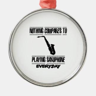 Neigen von Saxophonentwürfen Silbernes Ornament