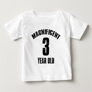 NEIGEN VON VON 3-jährig-GEBURTSTAGS-ENTWÜRFEN Baby T-shirt