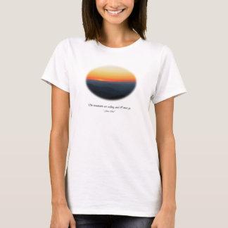 Nennende Berge/Smokies Sonnenuntergang-Oval T-Shirt