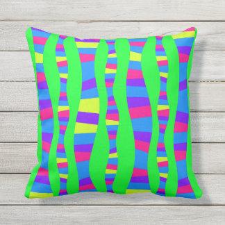 NeonfarbRetro modernes Muster-psychedelischer Kissen