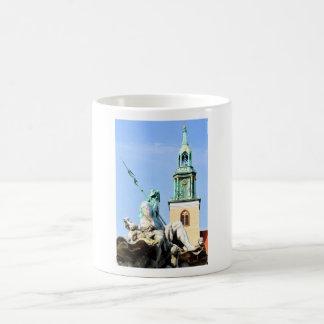 Neptuns Brunnen in Berlin, Deutschland Kaffeetasse