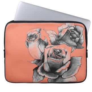 Nervöse Dreiergruppe-Rose Laptopschutzhülle