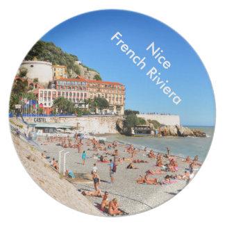 Nett. Französisches Riviera Teller