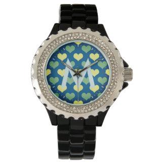 Nette Monogramed Uhr mit Herz-Muster