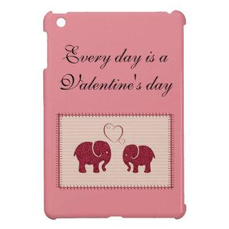 Nette niedliche Elefanten im Liebepatchwork iPad Mini Hülle