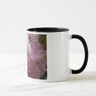 Nette rosa Blumen-Schale Tasse