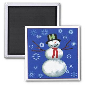 netter Schneemann auf Blau mit Schneeflocken Quadratischer Magnet