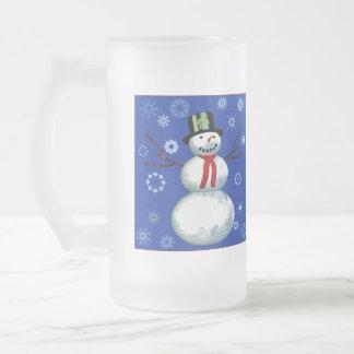 netter Schneemann auf Blau mit Schneeflocken Kaffeetasse