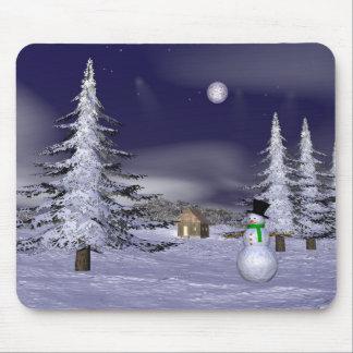 Netter Schneemann in der Nacht Mousepads