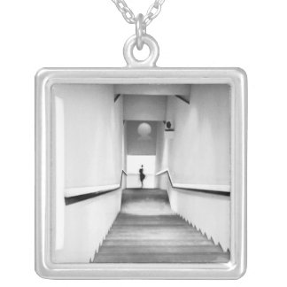 Nettes Frankreich, Treppenhaus-Museum der moderner Versilberte Kette