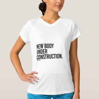 Neuer Körper im Bau - .png T-Shirt