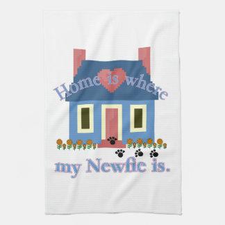 Neufundland-Zuhause ist Handtuch