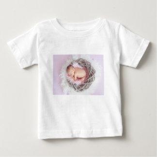 Neugeborenes Baby-Schlafen Baby T-shirt