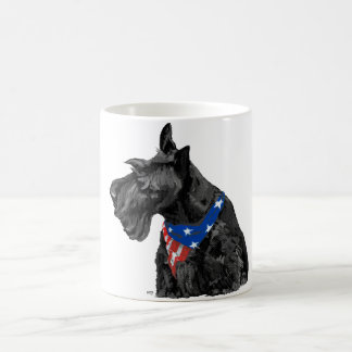 Neugieriger Scottish Terrier patriotisch Kaffeetasse