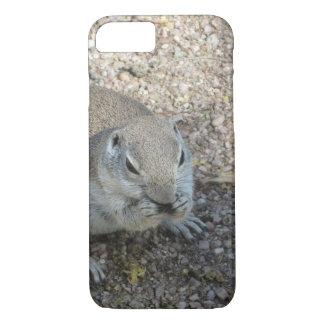 Neugieriges Grundeichhörnchen iPhone 8/7 Hülle