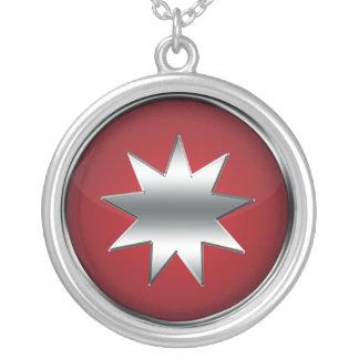 Neun gezeigter Stern Halskette Mit Rundem Anhänger