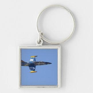 Neuseeland, Otago, Wanaka, Warbirds über 2 Silberfarbener Quadratischer Schlüsselanhänger