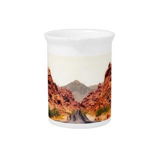 Nevada-Gebirgsstraßen-Landstraßen-Reise-Landschaft Getränke Pitcher