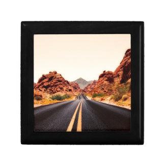 Nevada-Gebirgsstraßen-Landstraßen-Reise-Landschaft Schmuckschachtel