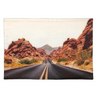 Nevada-Gebirgsstraßen-Landstraßen-Reise-Landschaft Stofftischset