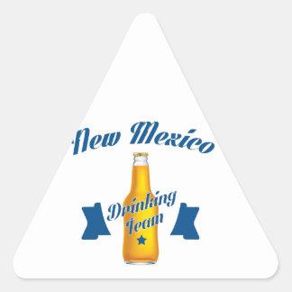 New Mexiko, das Team trinkt Dreieckiger Aufkleber