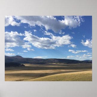 New Mexiko-heller blauer Himmel und Gebirgsplakat Poster