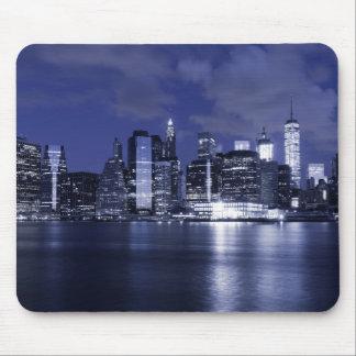 New- YorkSkyline gebadet im Blau Mousepads