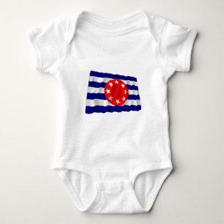Ngarchelong wellenartig bewegende Flagge Baby Strampler