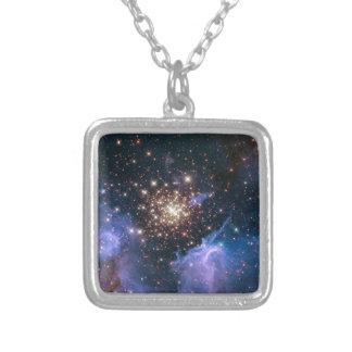 NGC 3603 die SuperSternhaufen NASA Versilberte Kette