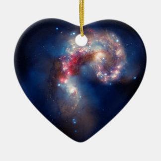 NGC 4038 die Antennen-Galaxien NASA Keramik Herz-Ornament