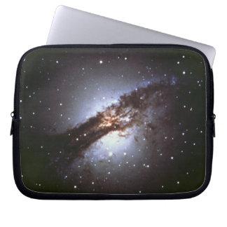 NGC 5128 Centaurus die Galaxie NASA Laptop Sleeve
