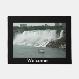 Niagara Falls auf der kanadischen Seite Türmatte