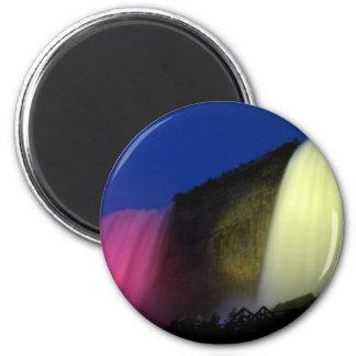Niagara Falls: Nächtliche Beleuchtung Runder Magnet 5,7 Cm